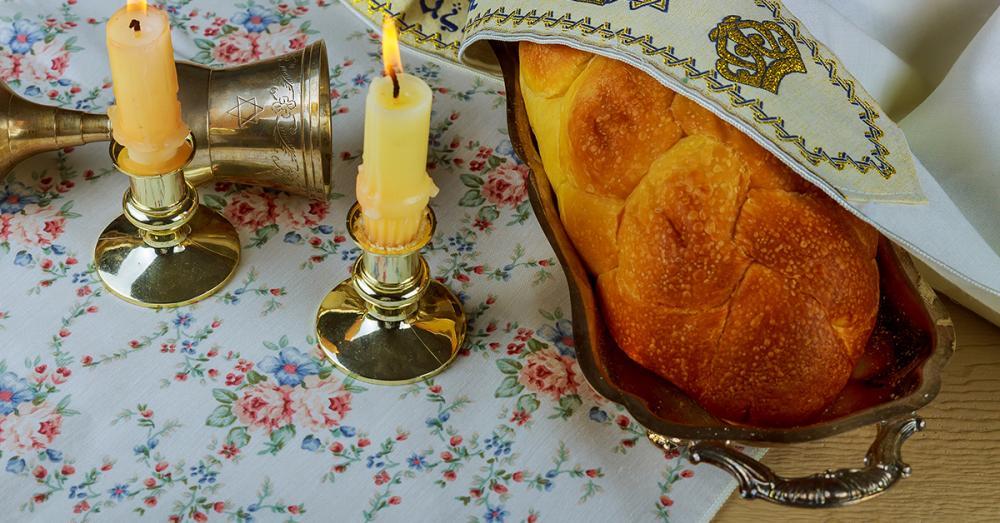 Challah plates make a wonderful gift
