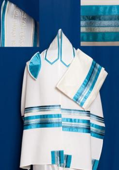 Tallit offerings at Gallery Judaica range from tallit designs made in Israel for men and exquisitely delicate silk tallitot for women. Explore our tallis offerings for a Jewish wedding, Bat-Mitzvah or Bar-Mitzvah.