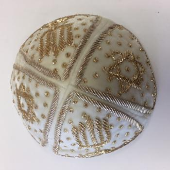 Isfahan Style Kepa – Luxurious White Velvet