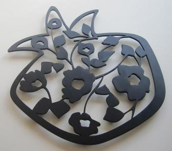 Trivet-Large Pomegranate Black